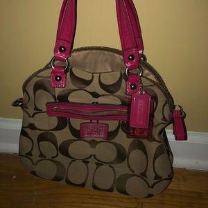 Coach shoulder bag!👜👜